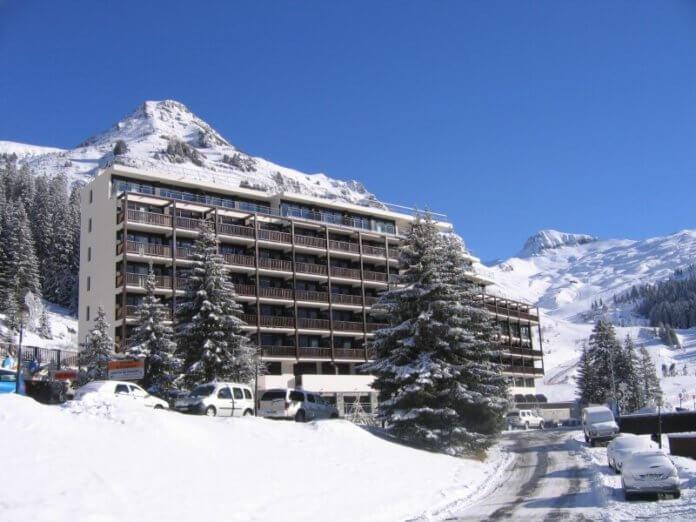 Résidence Les Terrasses de Véret: appartementen aan de piste in Flaine, met zwembad en sauna