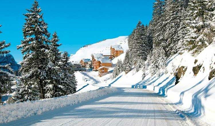 Résidence Les Portes du Grand Massif: 4* appartementen 2 tot 12 personen aan de piste in Flaine, met zwembad en wellness