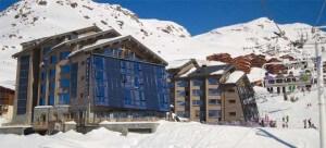 Hotel Altapura in Val Thorens ligt aan de piste