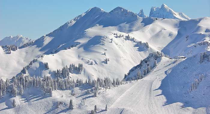 Skipisten in skigebied Les Gets © OT les Gets/J.M. Baud