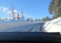 Met de auto op wintersport © WintersportFrankrijkGids.nl