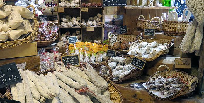 Streekproducten uit de Haute Savoie in de winkels van authentiek Samoëns © WintersportFrankrijkGids.nl