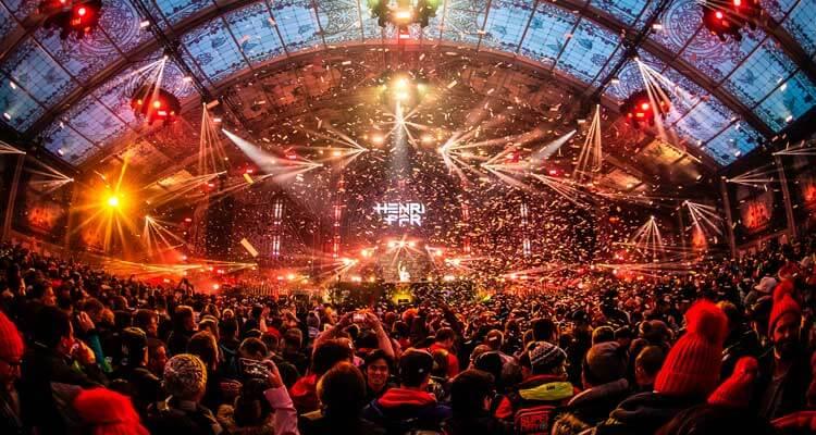 De eerste editie van Tomorrowland Winter in Alpe d'Huez trok 35.000 bezoekers. Tijdens Tomorrowland Winter 2022 zijn maximaal 15.000 bezoekers welkom. © Tomorrowland (via Alpe d'Huez)